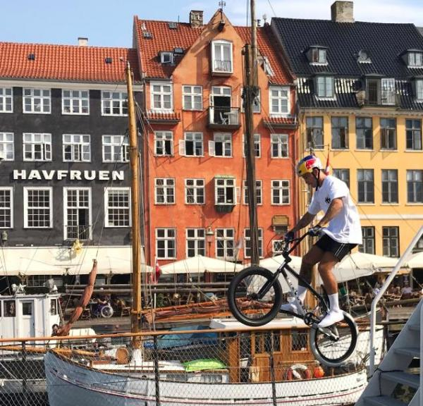 Red Bull BMX Kiss Kyle at Nyhavn